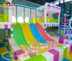ICE HEAVEN PLATFORM  (WITH  SLIDE&BALL PIT